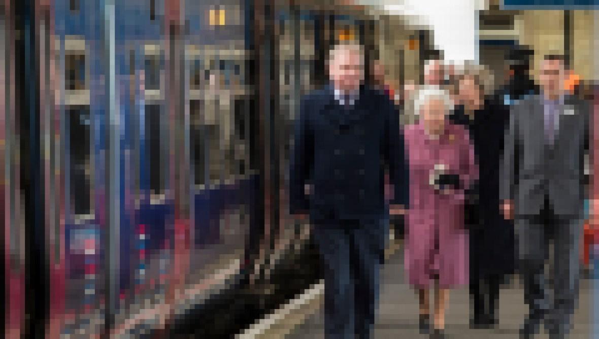 the-queen-departs-for-sandringham-house