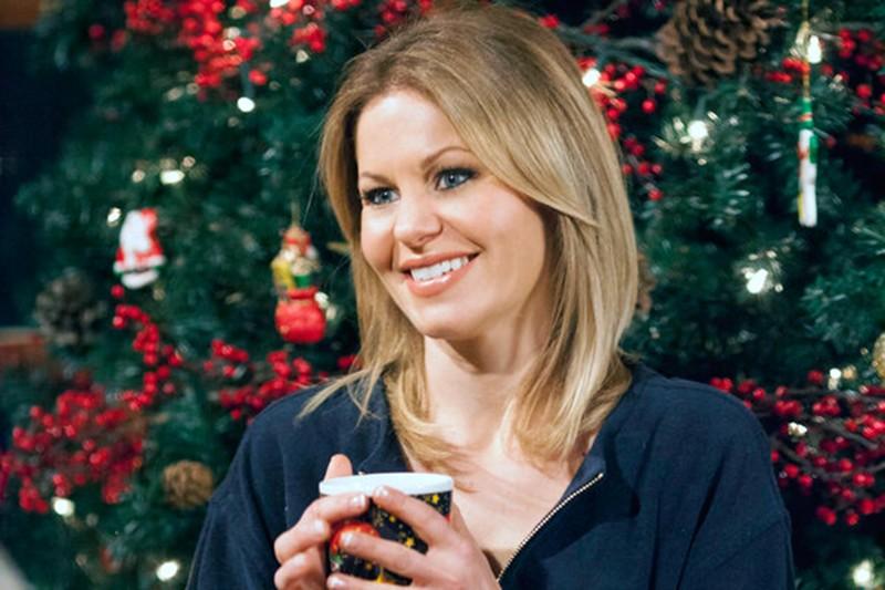 Christmas Under Wraps Cast.Hallmark Christmas Movies With Candace Cameron Bure 6 Tv