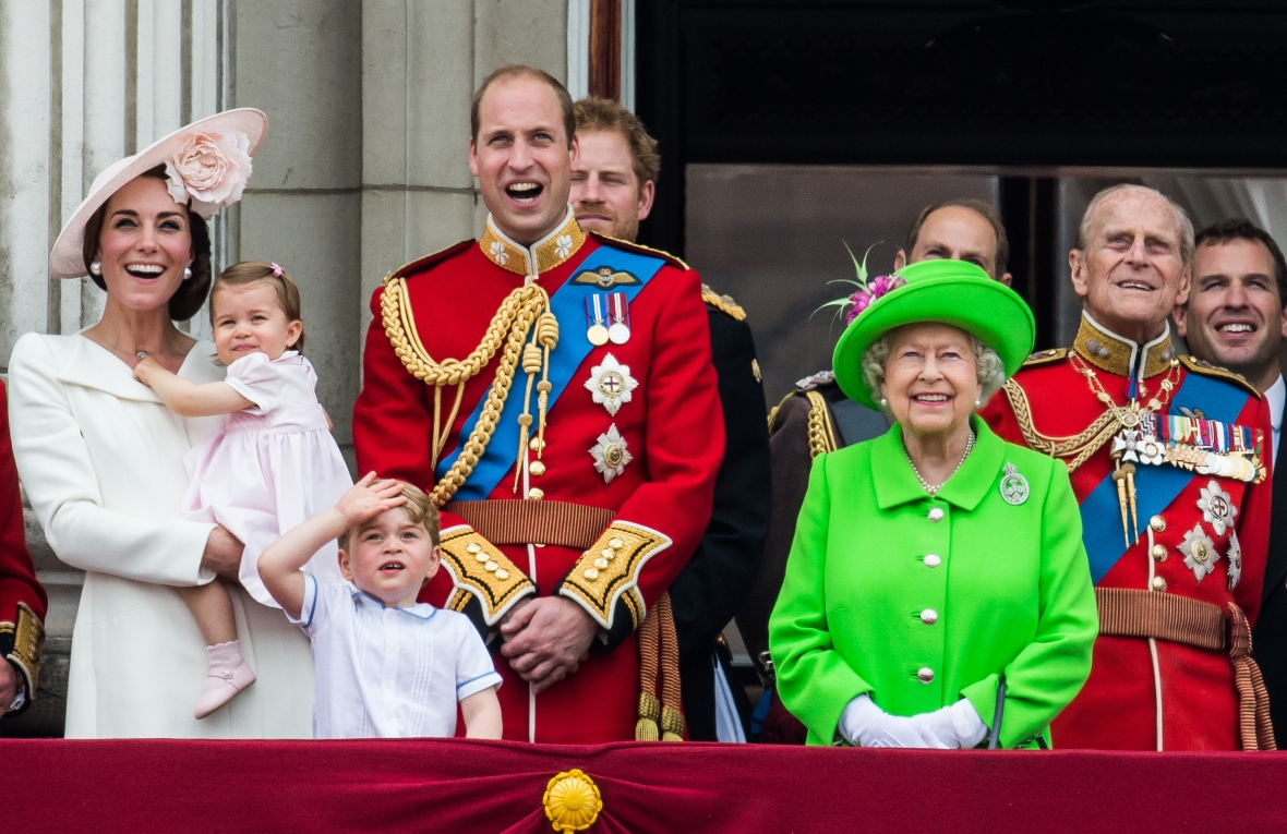 queen elizabeth trooping of the color 2016