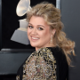 kelly-clarkson-super-bowl-getty