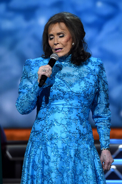 loretta lynn performing at the cma's getty awards