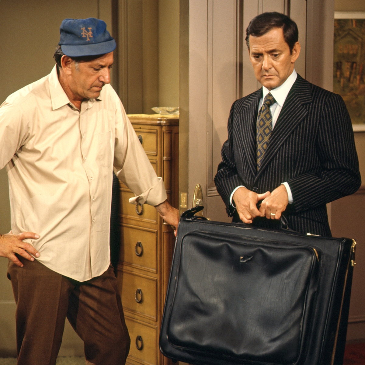 The Odd Couple': Set Secrets About the Series Revealed