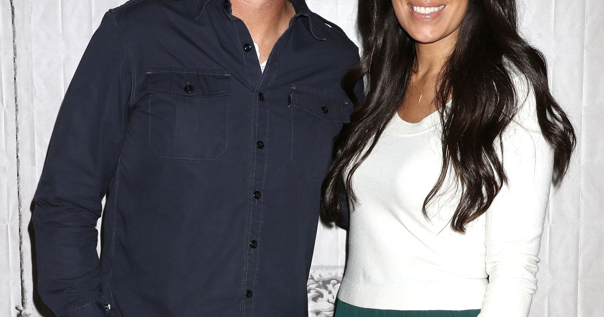 chip gaines and joanna gaines 39 fixer upper spin off gets a premiere date. Black Bedroom Furniture Sets. Home Design Ideas
