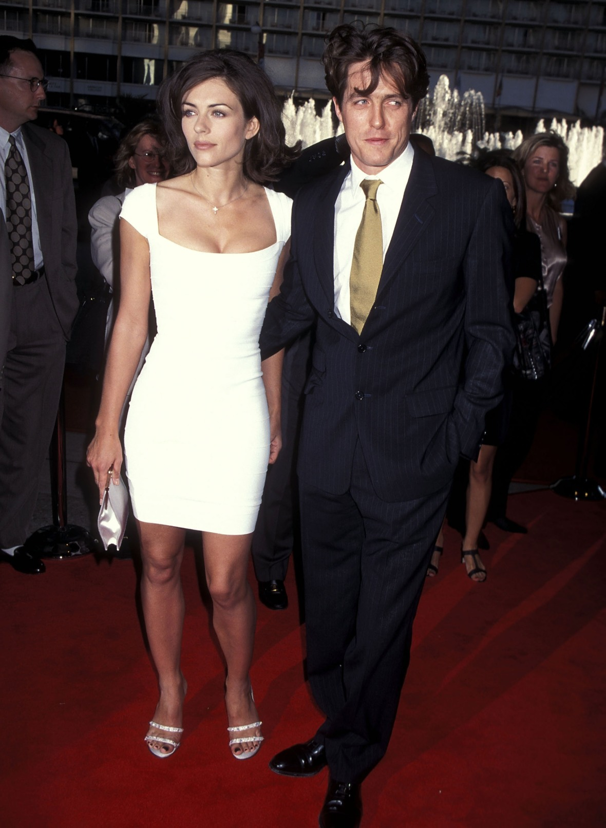 hugh grant elizabeth hurley getty images