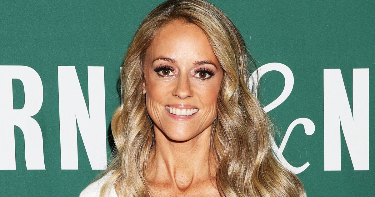 Is Nicole Curtis Married Details On The Rehab Addict Star S Family And Baby