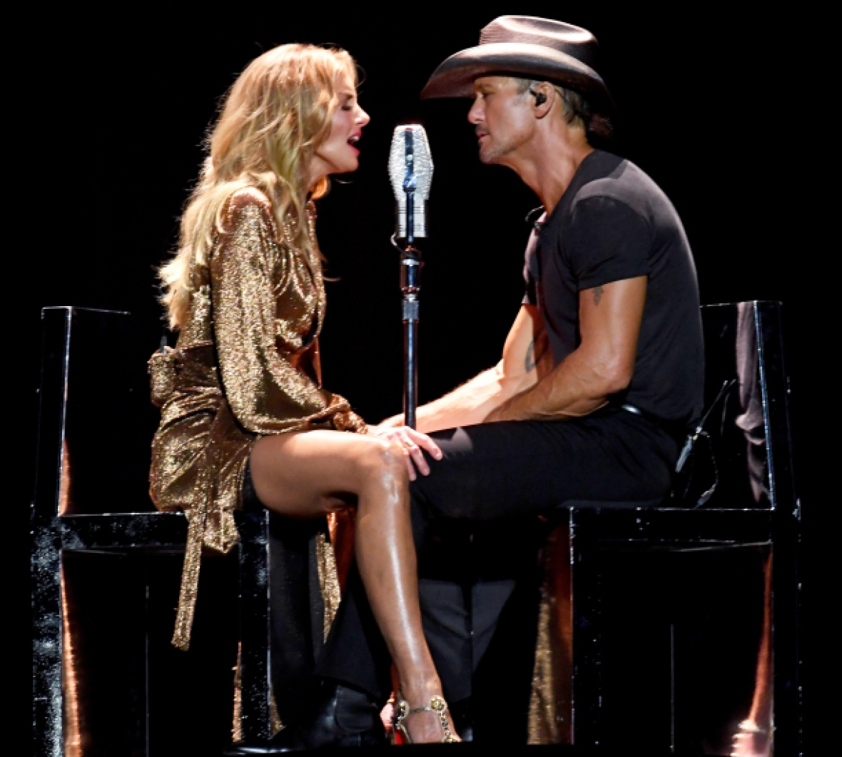 tim mcgraw and faith hill on their soul2soul tour getty images