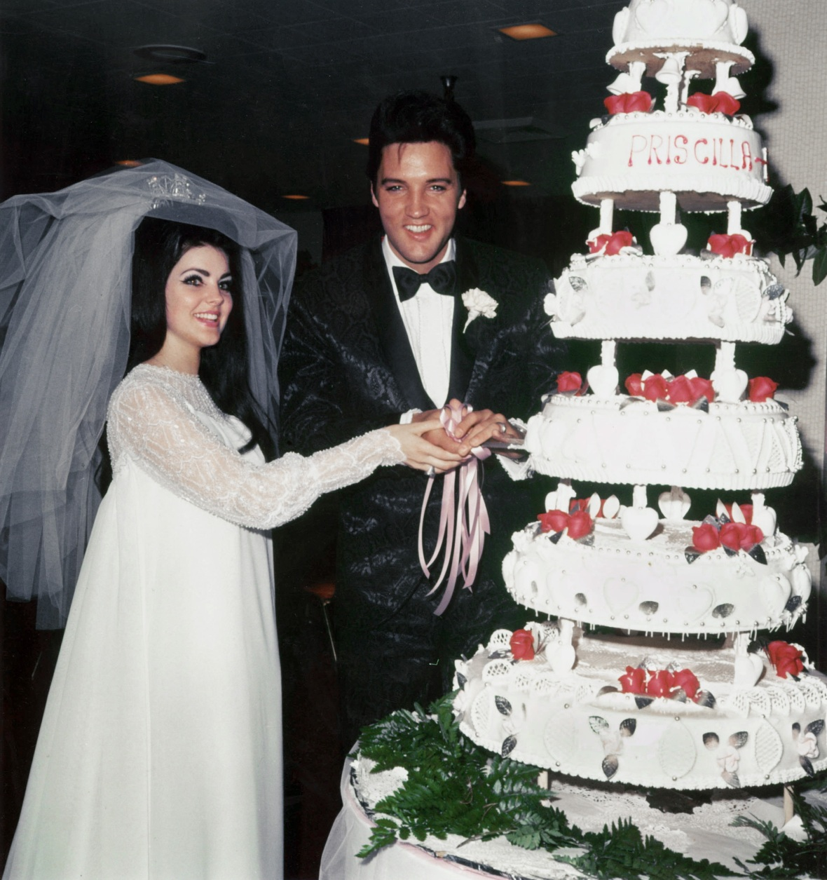 elvis presley wedding getty images