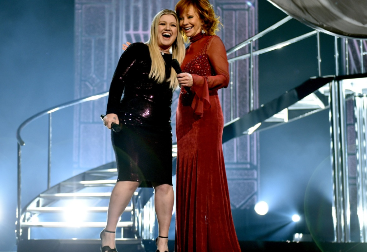 kelly clarkson reba mcentire getty images