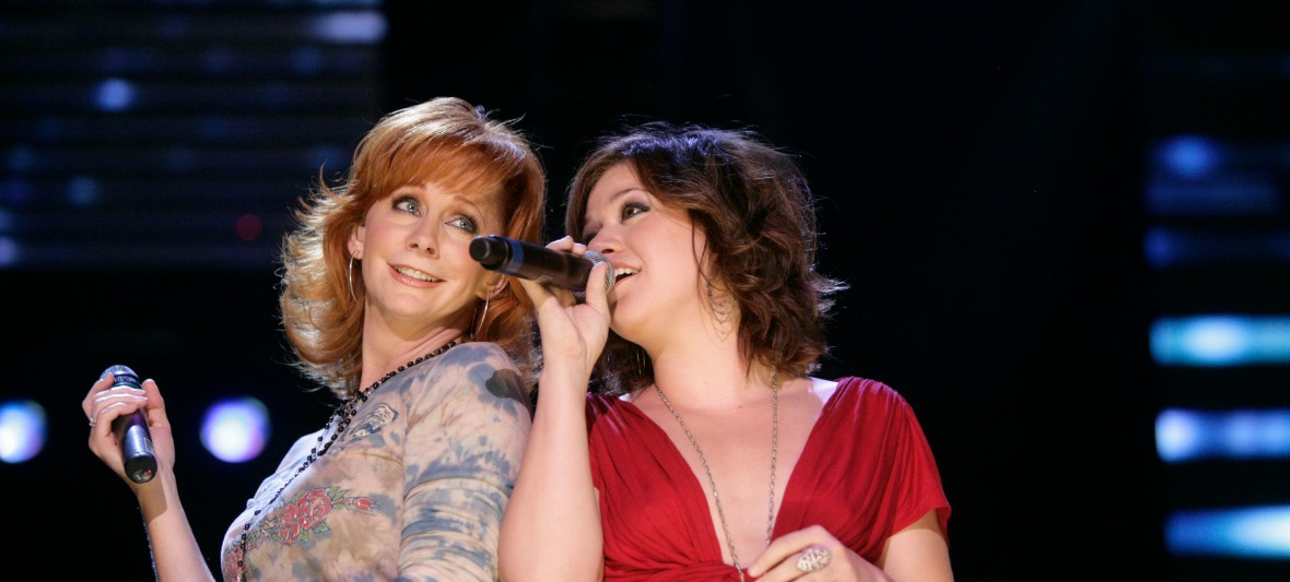 reba and kelly clarkson getty images