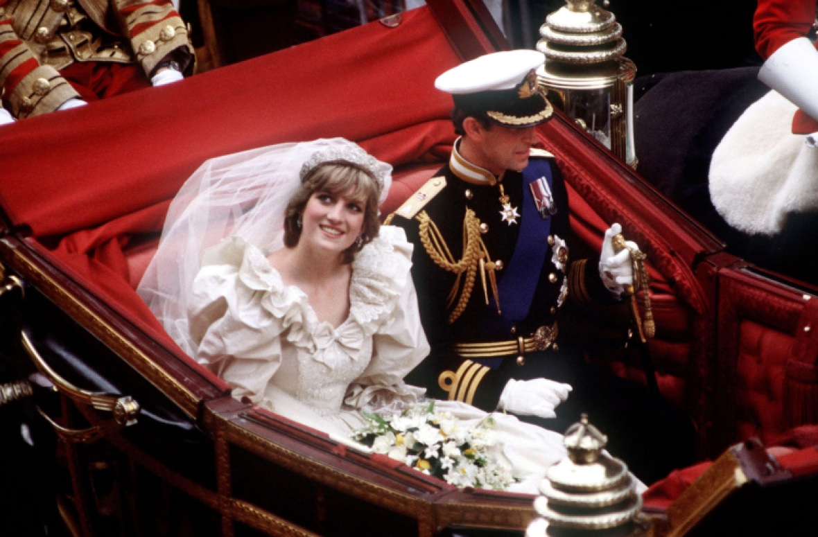 princess diana's wedding carriage getty images