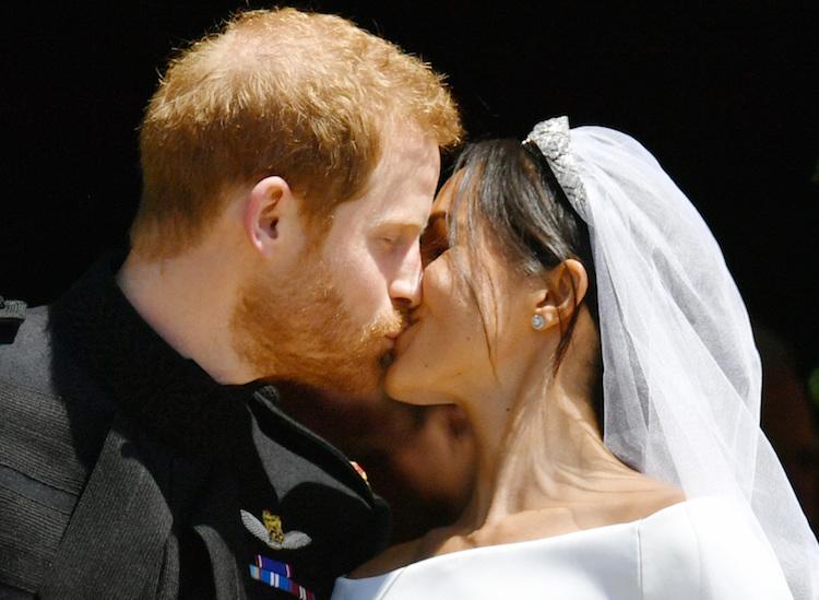 meghan markle prince harry kiss