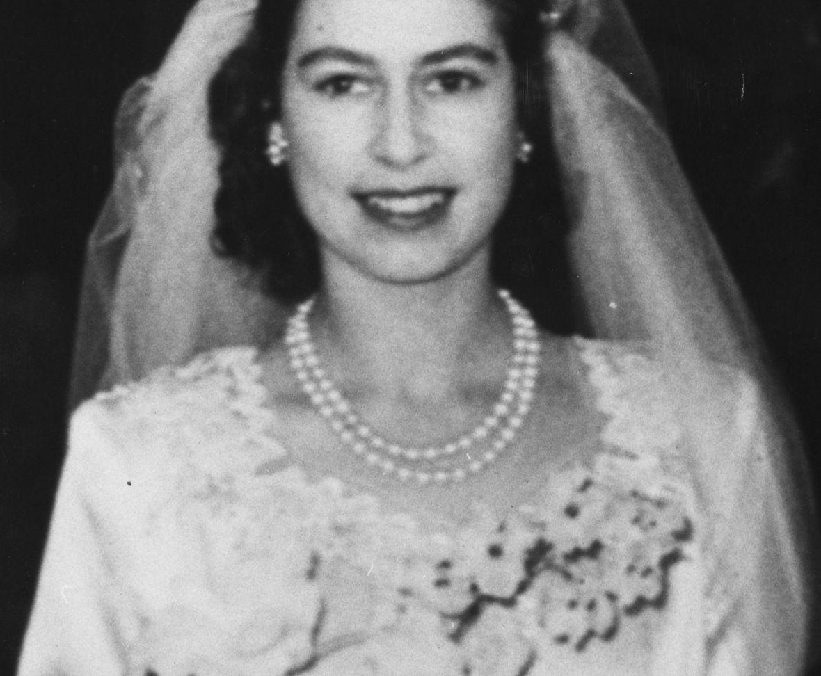 queen elizabeth wedding tiara getty images