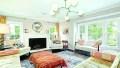 melissa-mccarthy-living-room