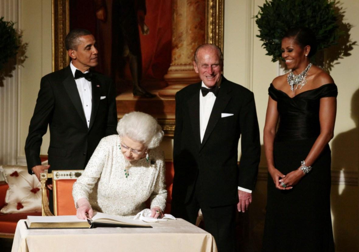 barack obama with queen elizabeth getty images