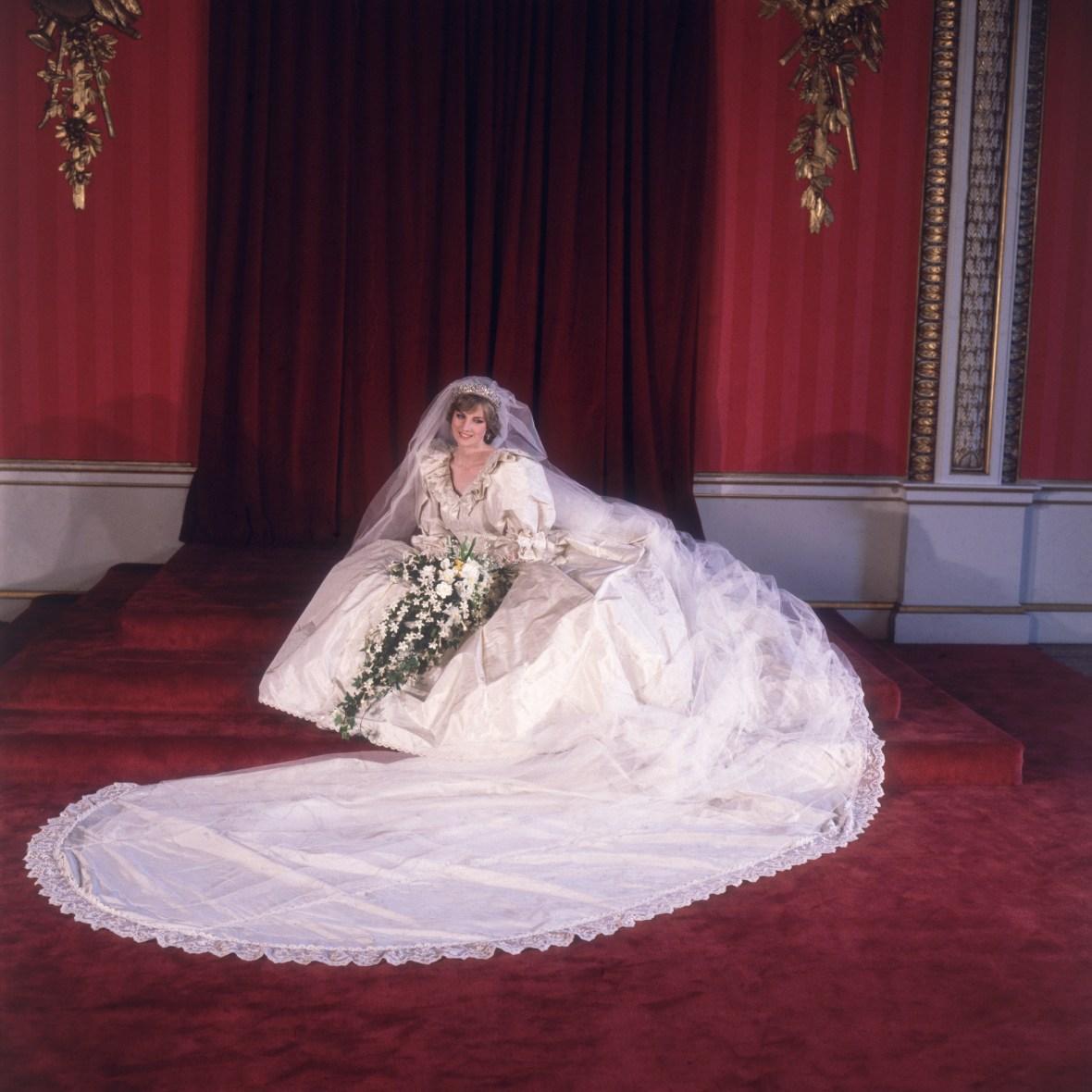 princess diana wedding bouquet getty