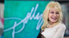 why-does-dolly-parton-wear-long-sleeves