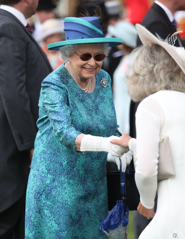 queen elizabeth gloves
