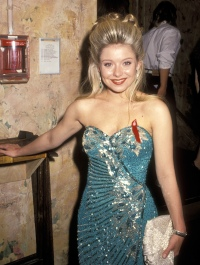 kelly-ripa-93