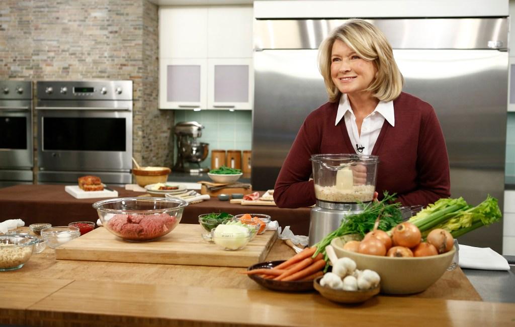 martha-stewart-cooking