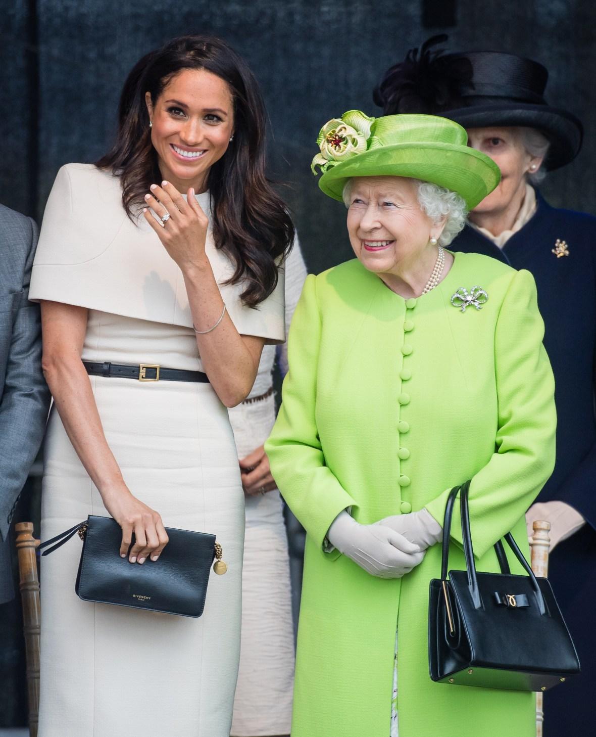 Queen Elizabeth Is Taking Meghan Markle's Side In Her Feud