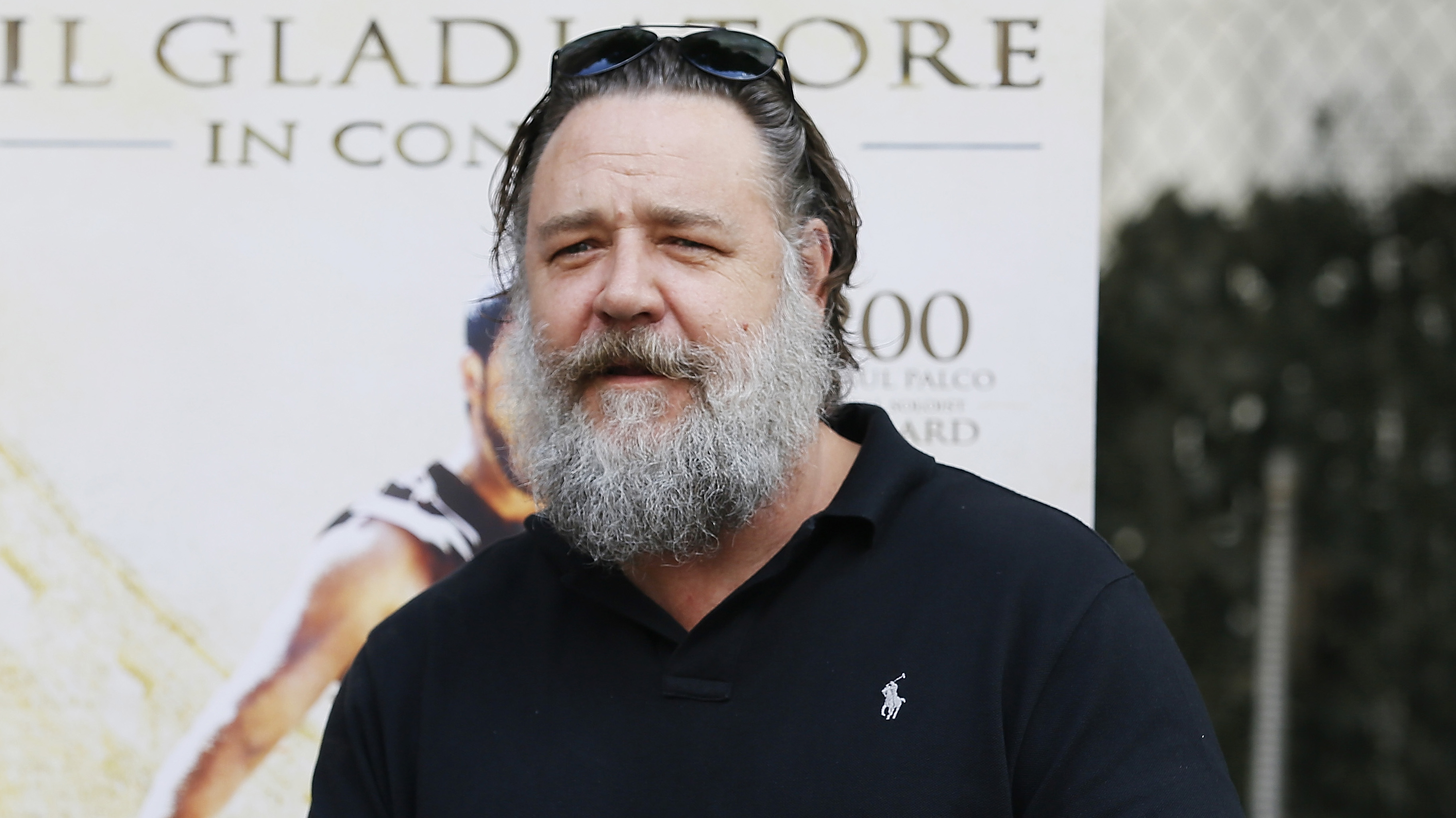 Russell Crowe Looks Unrecognizable Thanks to Big Beard and ...
