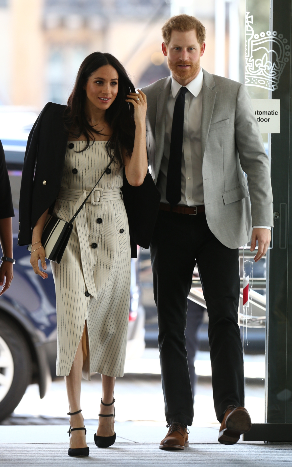 Meghan Markle S Skinny Legs Haters Critique The Duchess