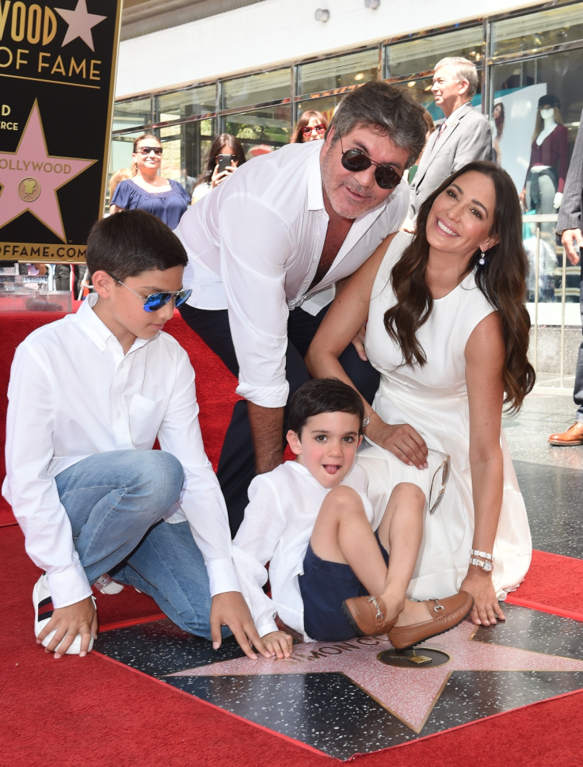 simon and his family. (photo credit: getty images)