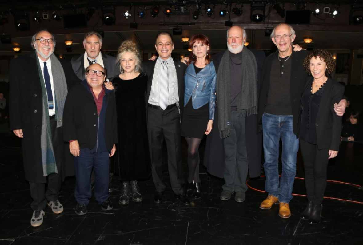 the 'taxi' cast in 2015. (photo credit: getty images)
