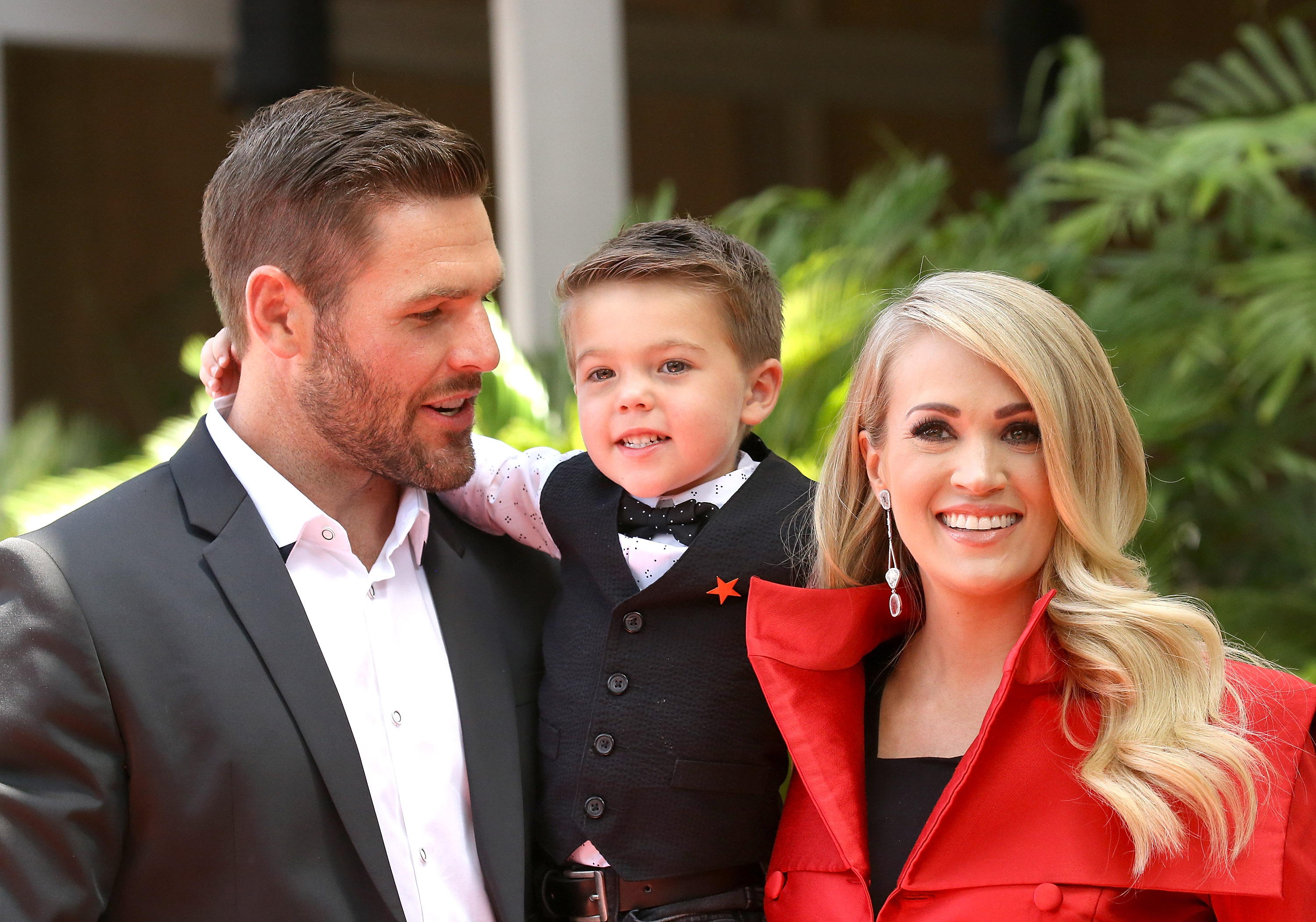 carrie-underwood-mike-fisher-isaiah