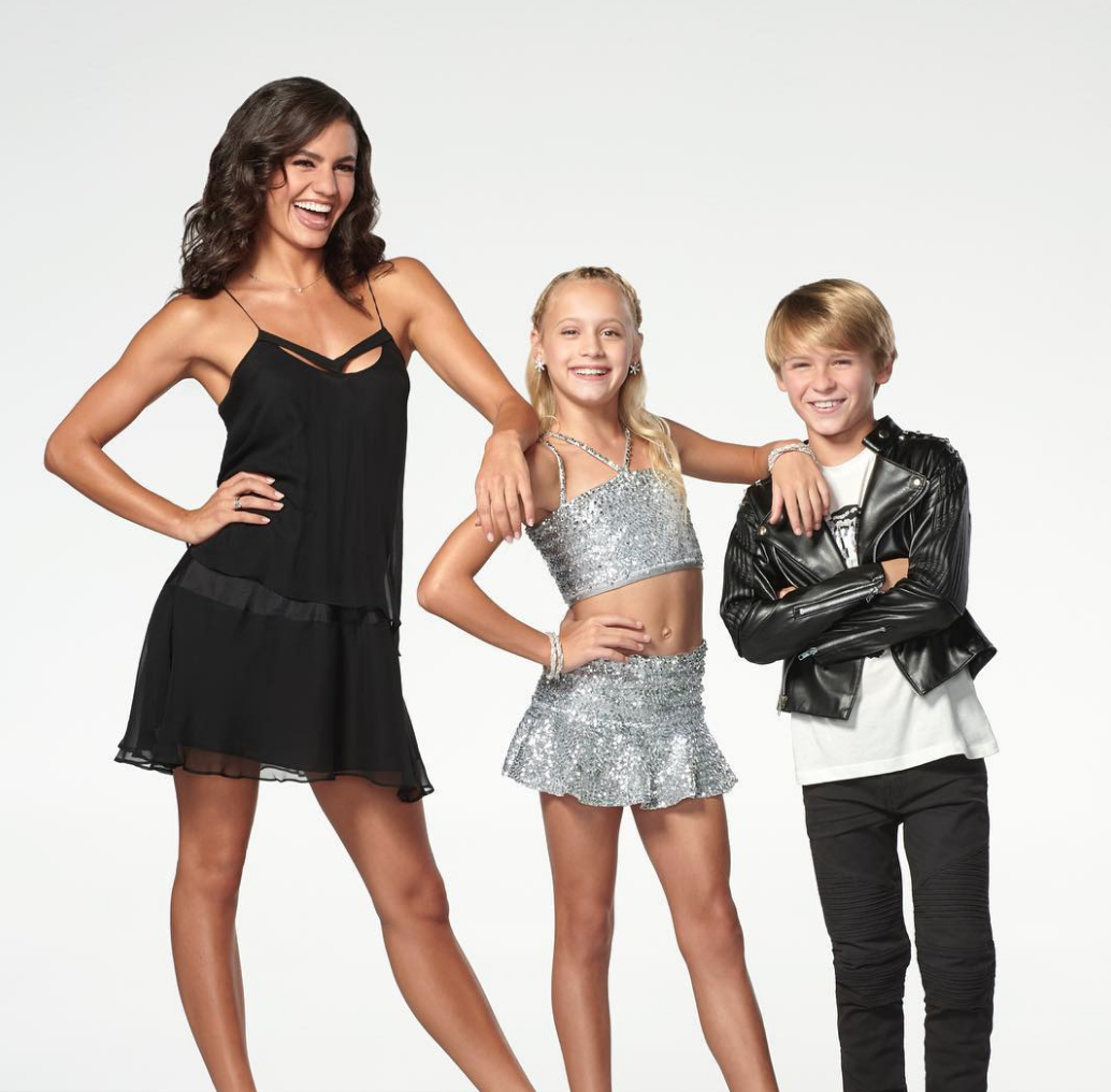 Bad Moms Christmas Kids.Dancing With The Stars Juniors Cast Has Been Announced