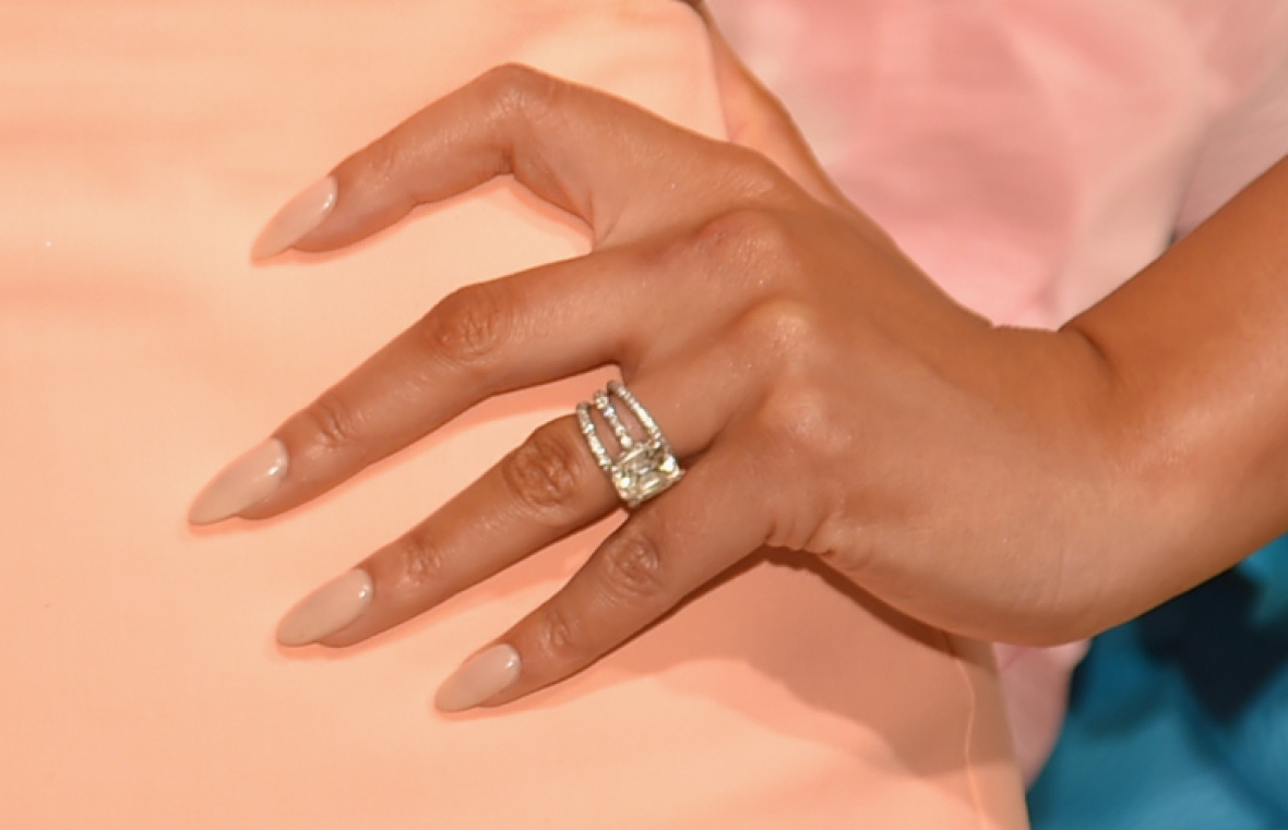 chrissy teigen engagement ring