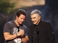mark-wahlberg-burt-reynolds