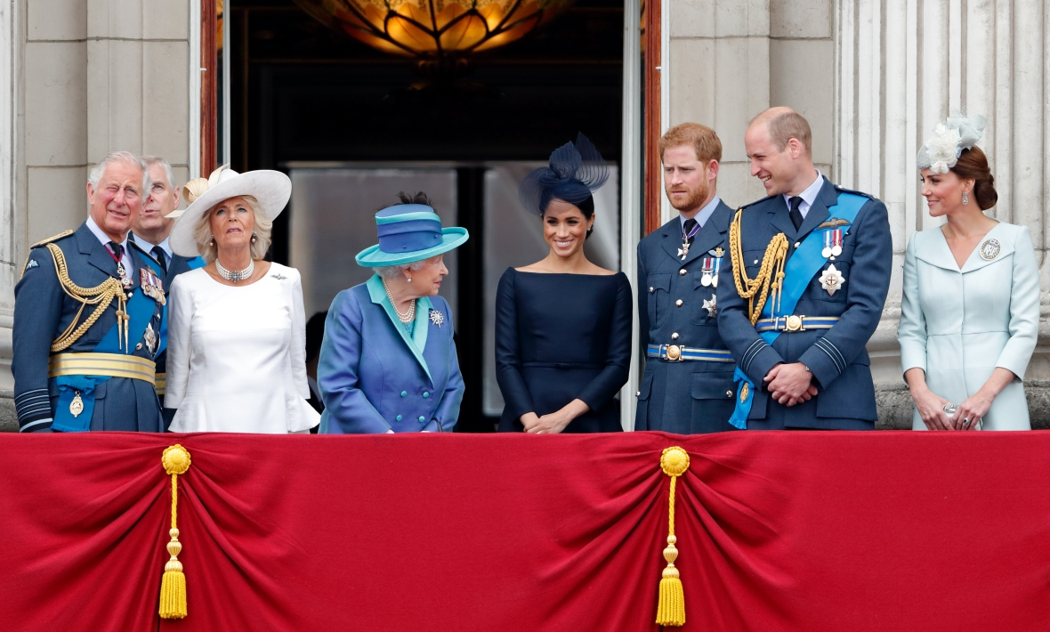 queen elizabeth with kate middleton and