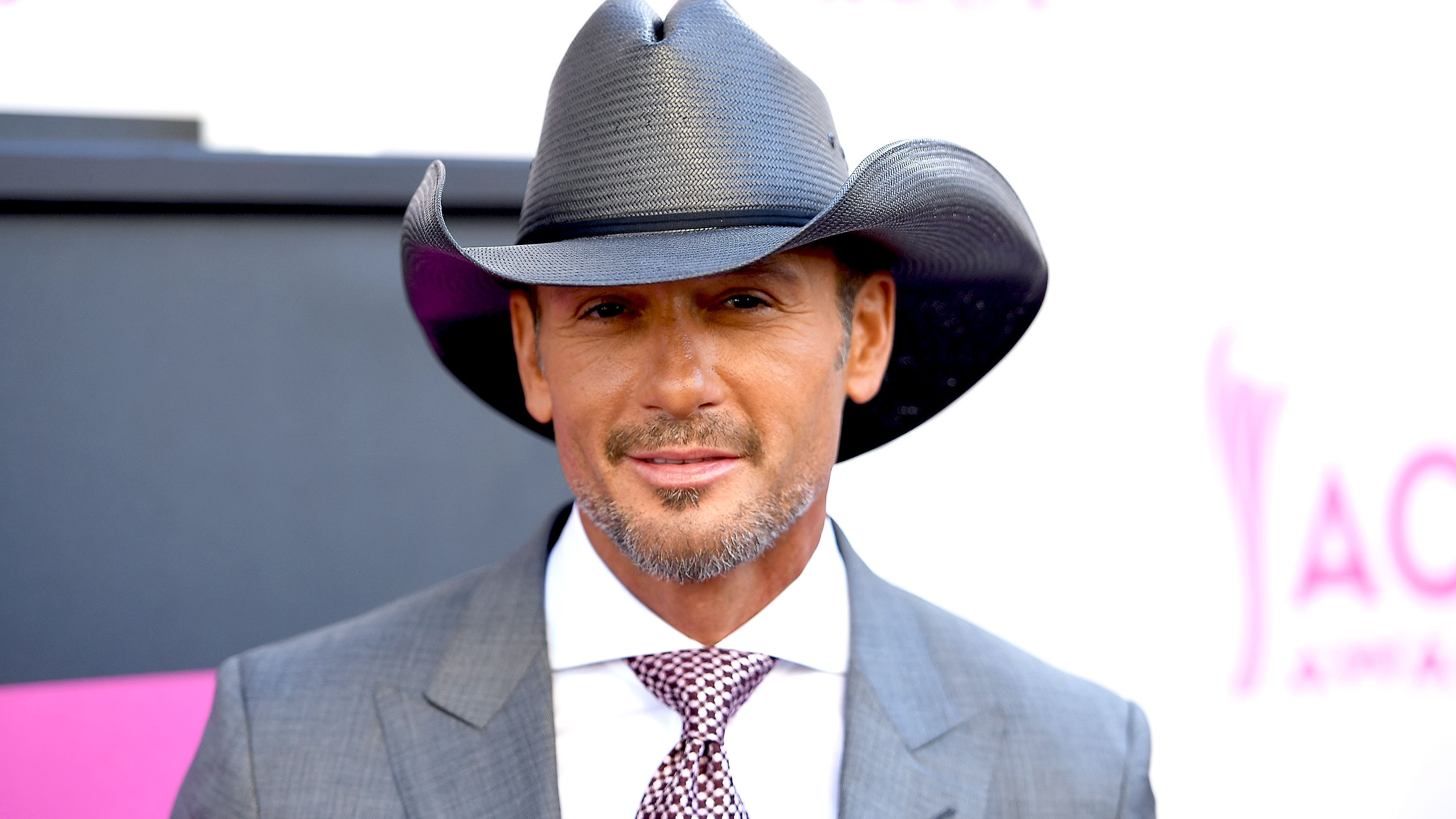 Tim mcgraw shares cryptic tweet after deleting all instagram photos jpg  1200x630 Tim mcgraw with his 9b28a1de856e