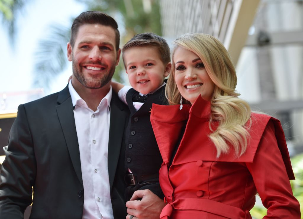 Carrie-Underwood-Mike-Fisher-Son