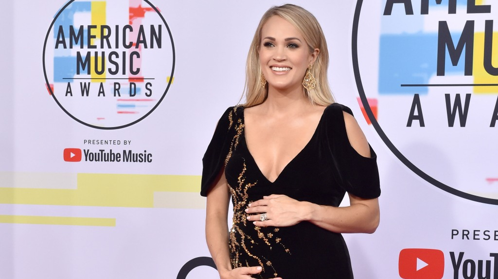 Carrie-Underwood-Officially-Soccer-Mom