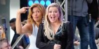 Kelly Clarkson Hoda Kotb