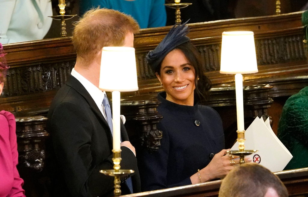 Meghan-Markle-Smiling-Eugenie-Wedding