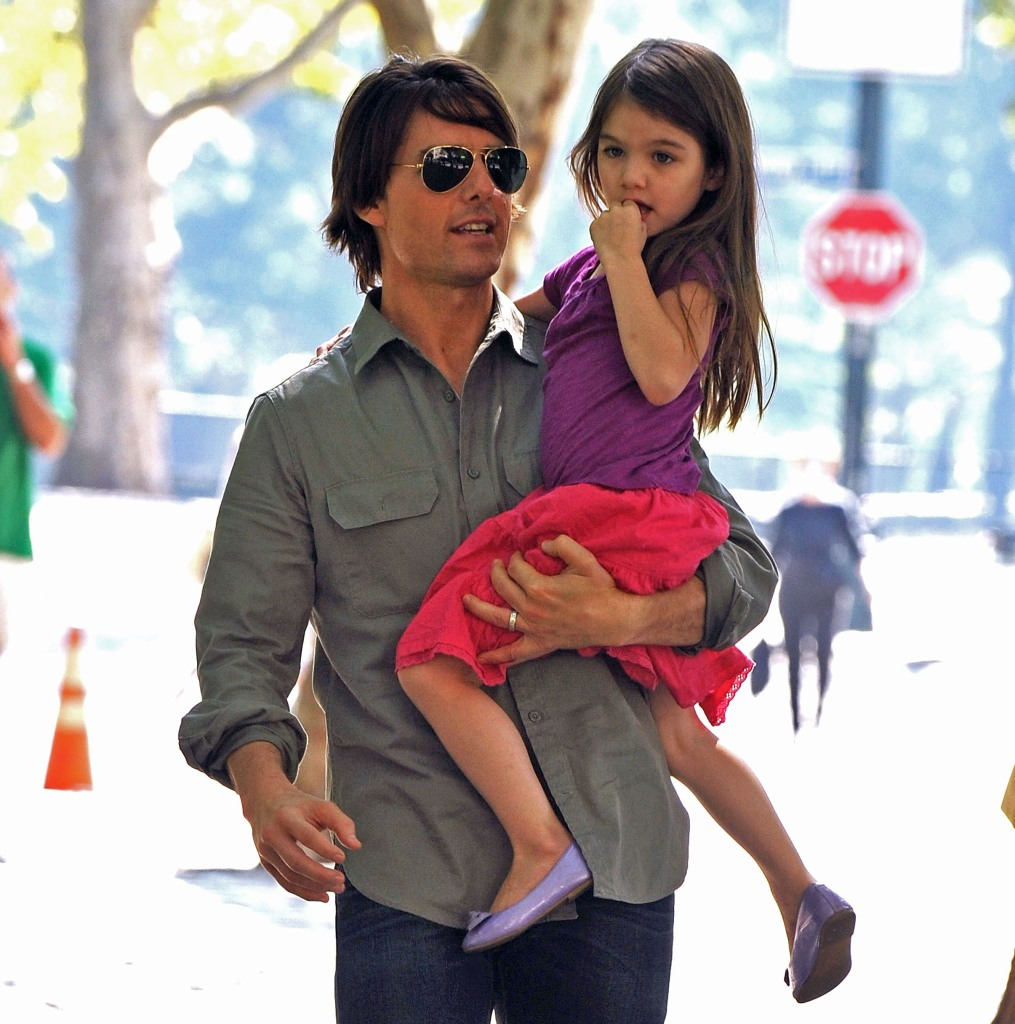 https://www.intouchweekly.com/posts/tom-cruise-fix-relationship-daughter-suri/