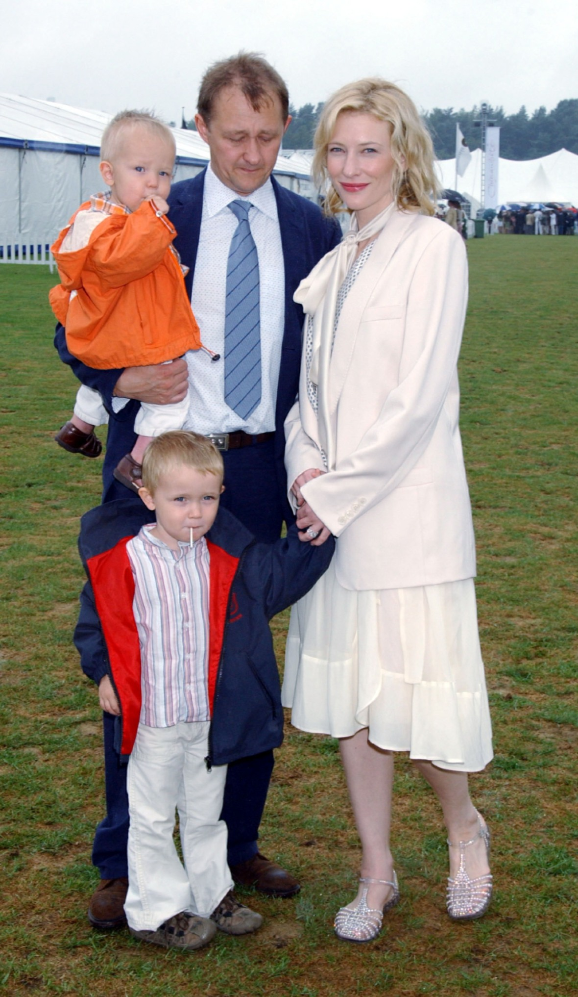 cate and her family in 2005. (photo credit: getty images)