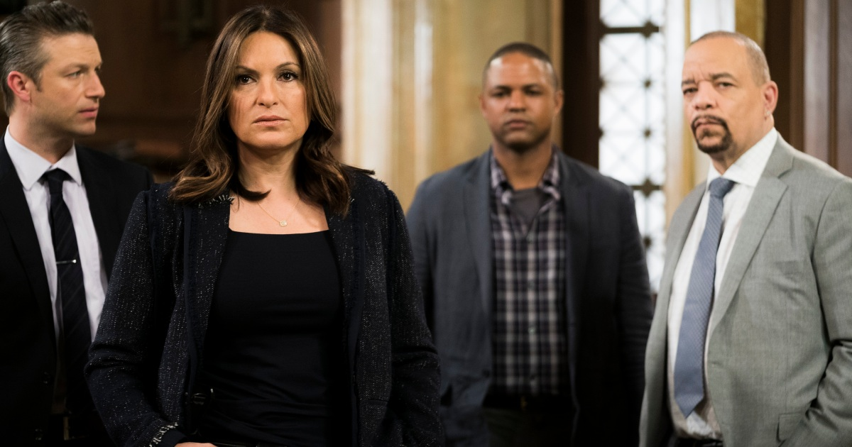 Law Order Svu Cast Shares Funny On Set Secrets For The Show S 20th Anniversary Exclusive