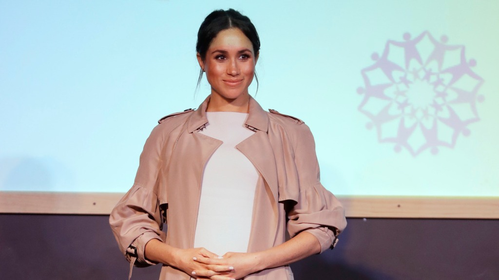 a0678bb37 Meghan Markle Threw A Party For Buying Designer Clothes (Report)