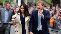 prince-harry-meghan-markle-fan-gifts
