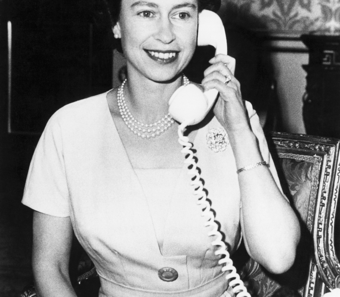 queen elizabeth phone