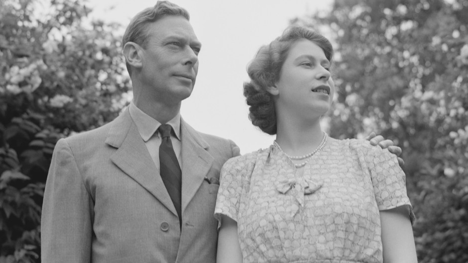 queen-elizabeth-throne-father-king-george