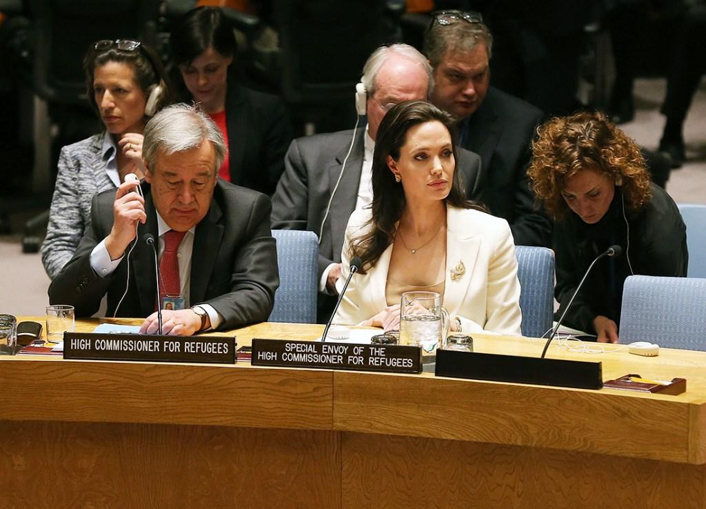 Angelina-Jolie-Child-Syria