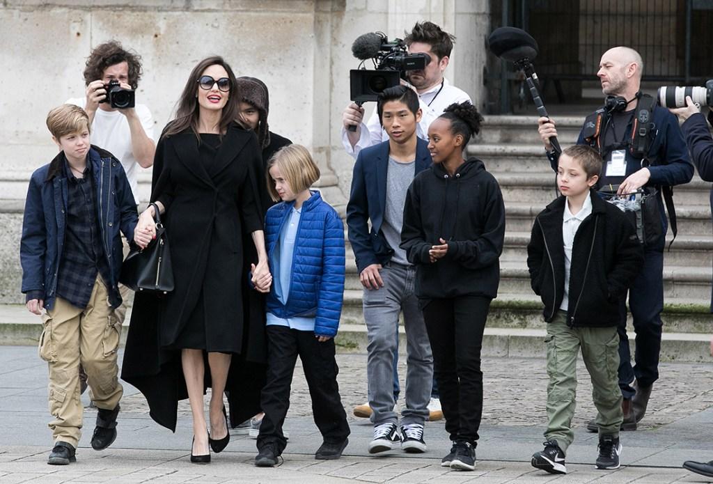 Angelina-Jolie-Child-Syria-kids