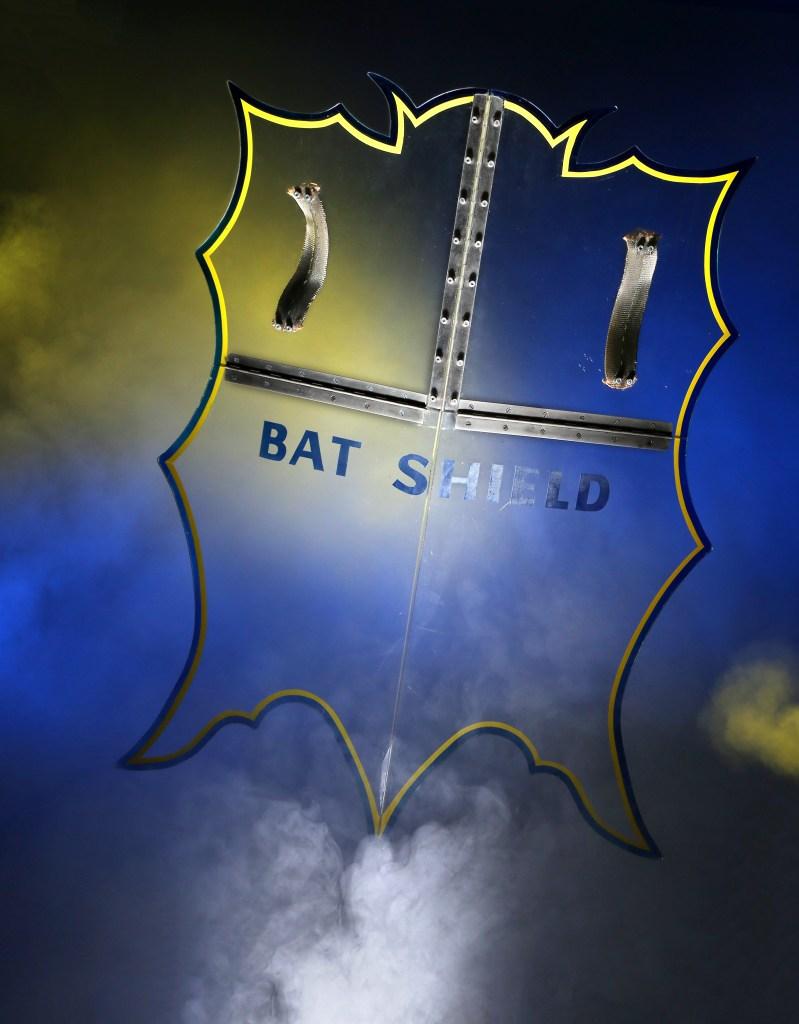 Batman Batshield