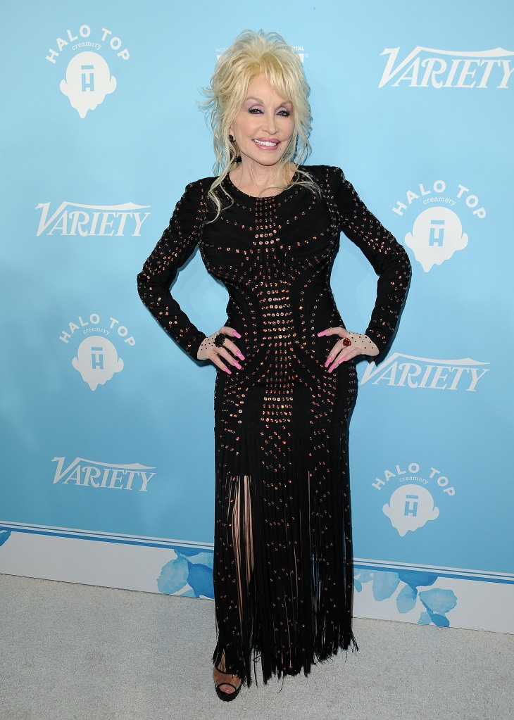 dolly-parton-black-dress-women-in-film
