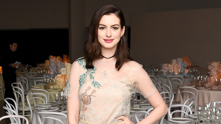 anne-hathaway-debuts-fiery-red-hair-for-new-movie-role-see-the-pics